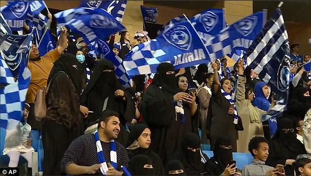 Photos : Saudi women enjoy football match for first time