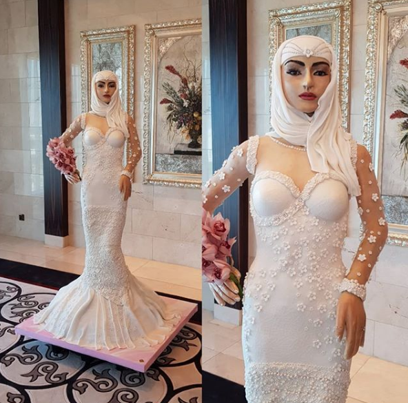 Photos : Celebrity Baker Creates $1m  Arabian bride Wedding Cake