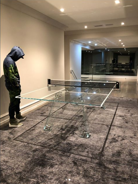 Mayweather flaunts $30,000 ping pong table