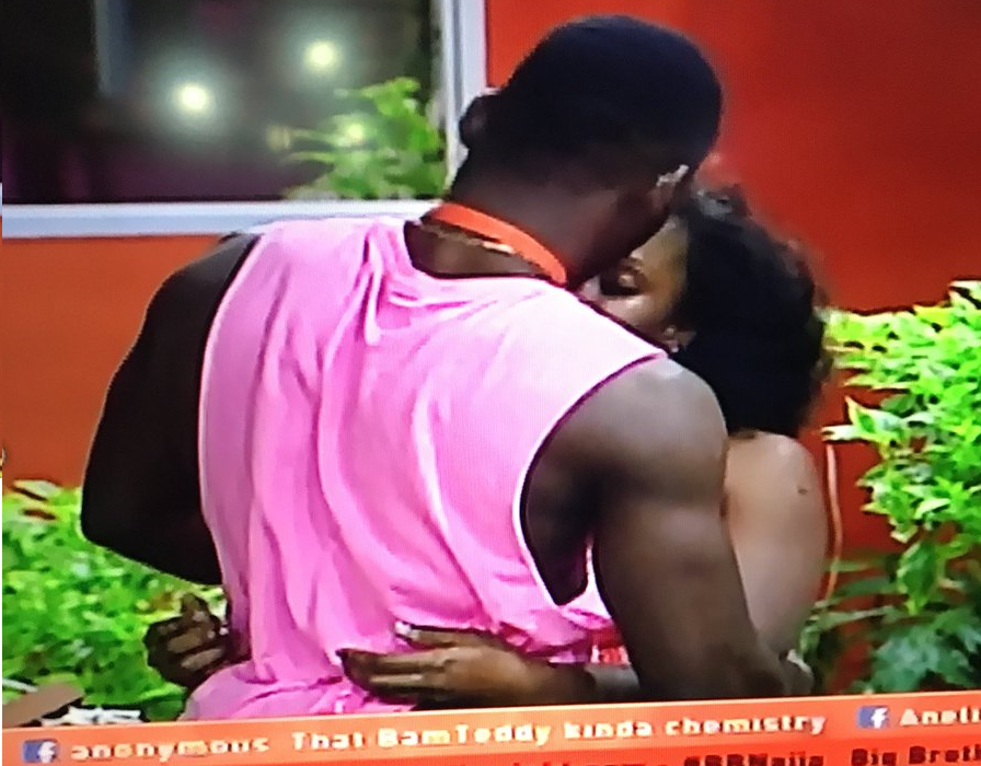 #BBNaija Tobi and Cee C reconcile,gives her a massage