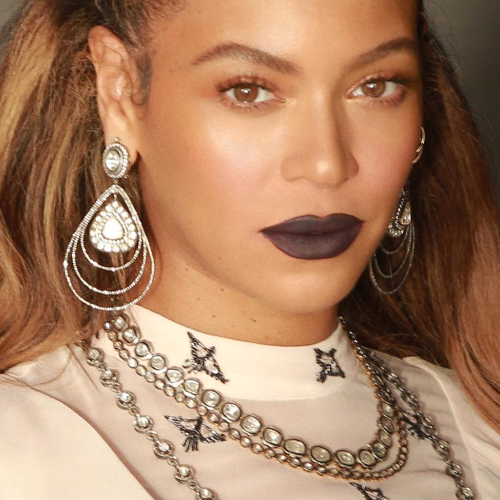 Beyonce Eyes Turn Black Beyonce looks e...