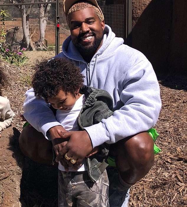 Kim Kadashian,Kanye West and their kids visit San Diego Zoo