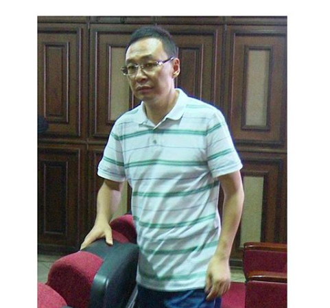 EFCC Arrest Chinese man for concealing $300k at the Abuja ...