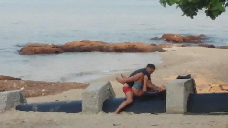 Hunt for couple filmed having sex on beach in Thailand