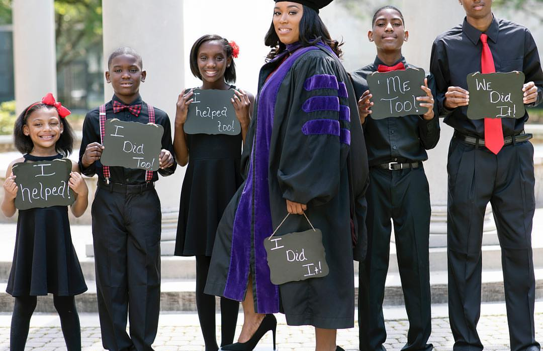 Single Mom of 5 goes viral after graduating from Law School