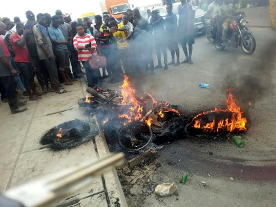 3 burnt to death in C-River over motorcycle theft