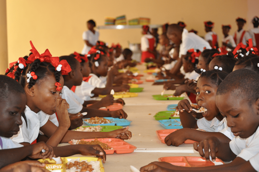 Why FG's school feeding programme has yet to take off in Lagos'