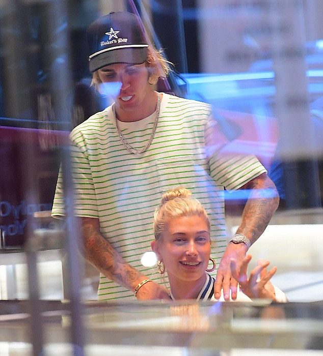 Hailey Baldwin buys fiance Justin Bieber a diamond ring of his own