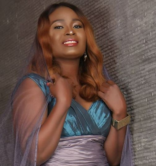 Singer Essence shares beautiful new photos as she turns 40