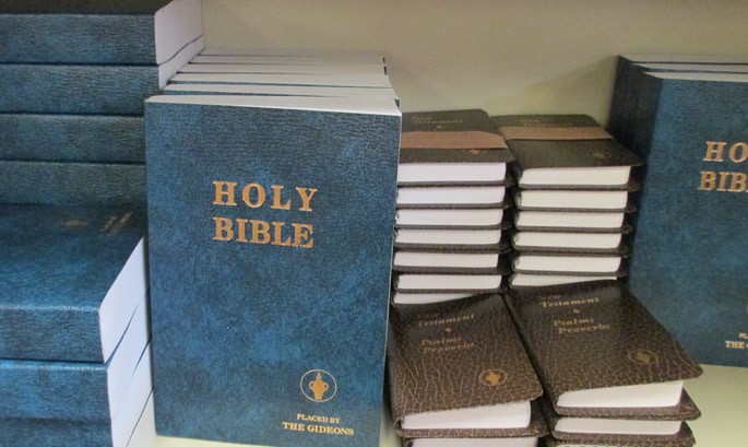 School threatens foundation over bible gifts to students