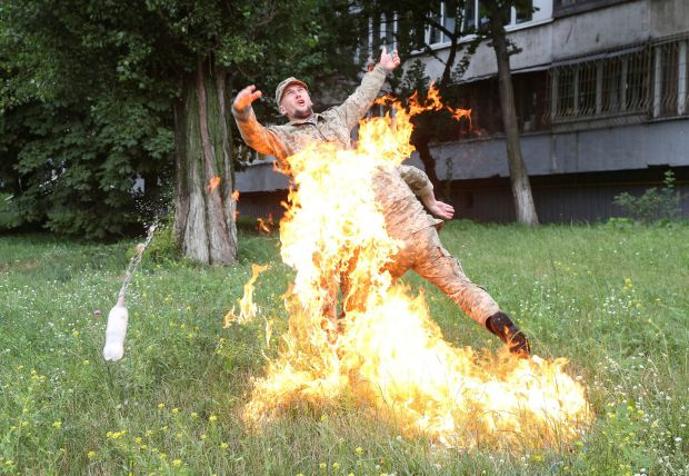 Soldier sets himself on fire after being sacked from army