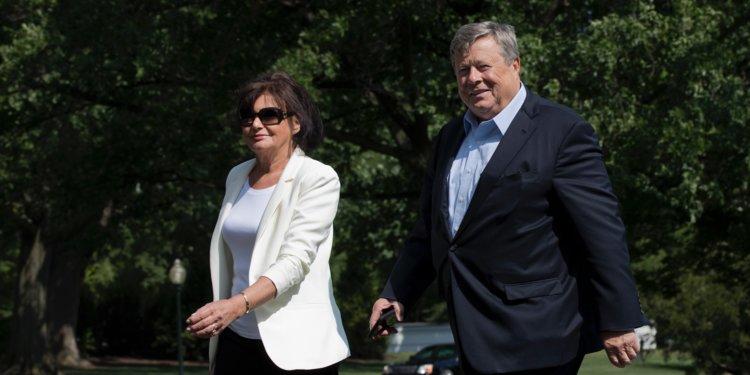 Trump grants U.S. citizenship to in-laws