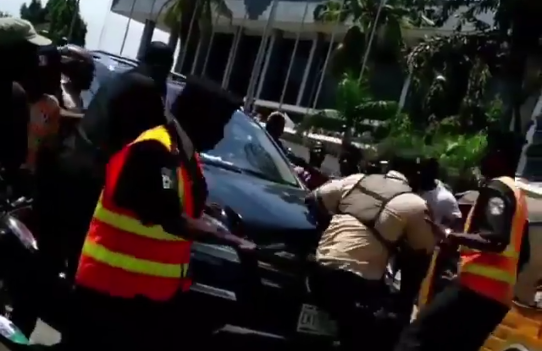 Video:Lagos bouncer cries out after manhood disappears following tip from Benz owner
