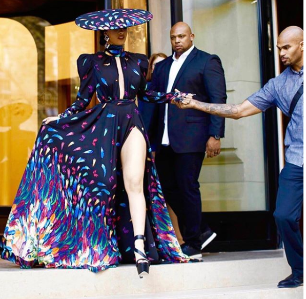 Females Try To Fight Cardi B Pregnant: Cardi B And Nicki Minaj's Drama Is Far From Over