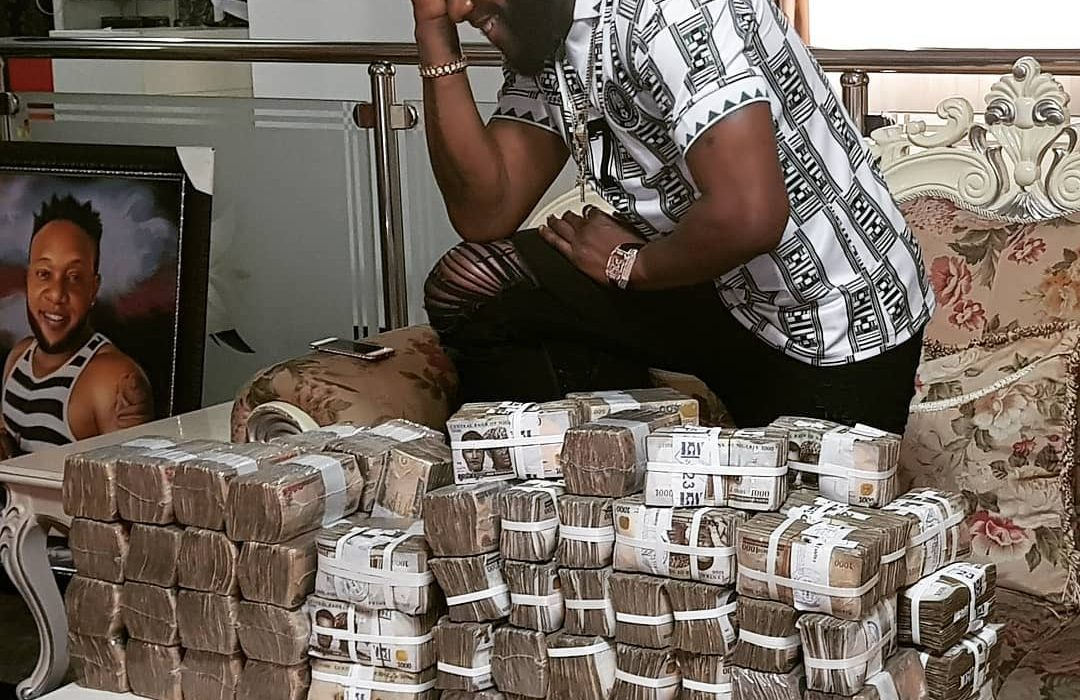 Fans slam Kcee for showing off millions on Instagram