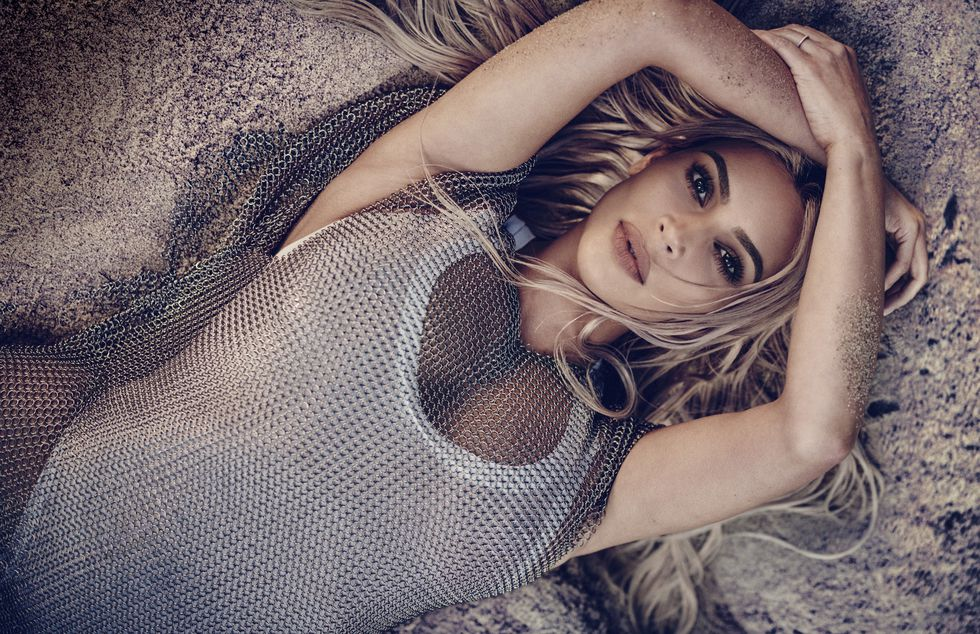 Kim Kardashian sultry on the cover of Elle Magazine